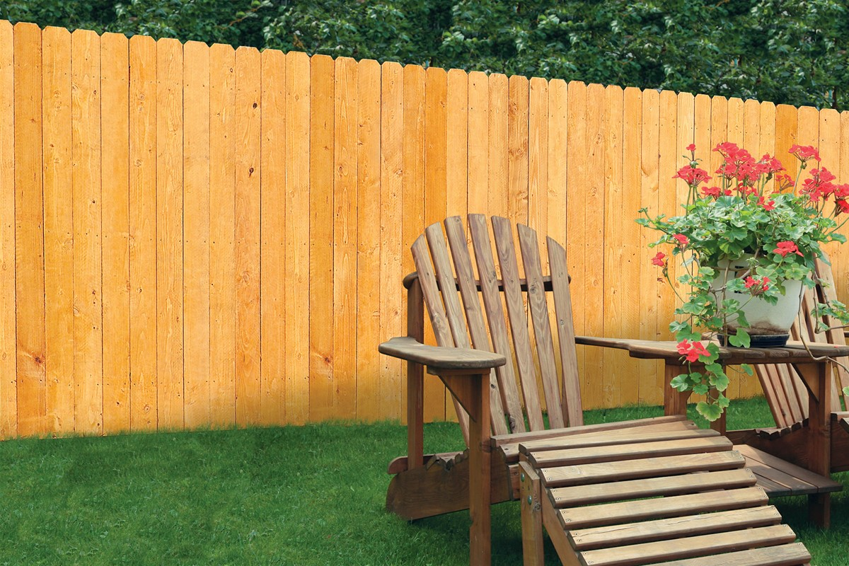 Wood Fencing In Heathrow