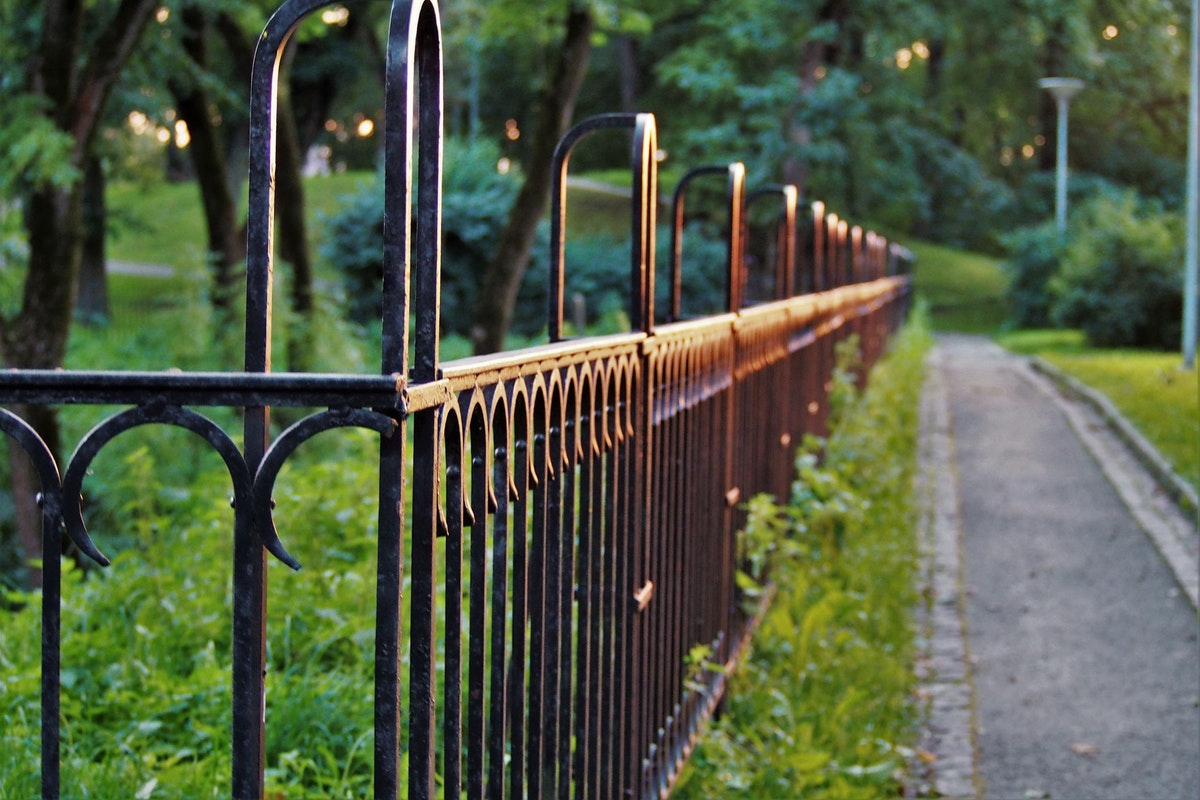 Five Important Things to Know Before You Construct a Fence