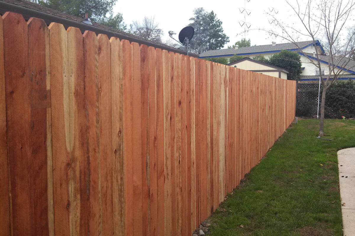 What Type of Wood Fence Fits Your Needs the Best?