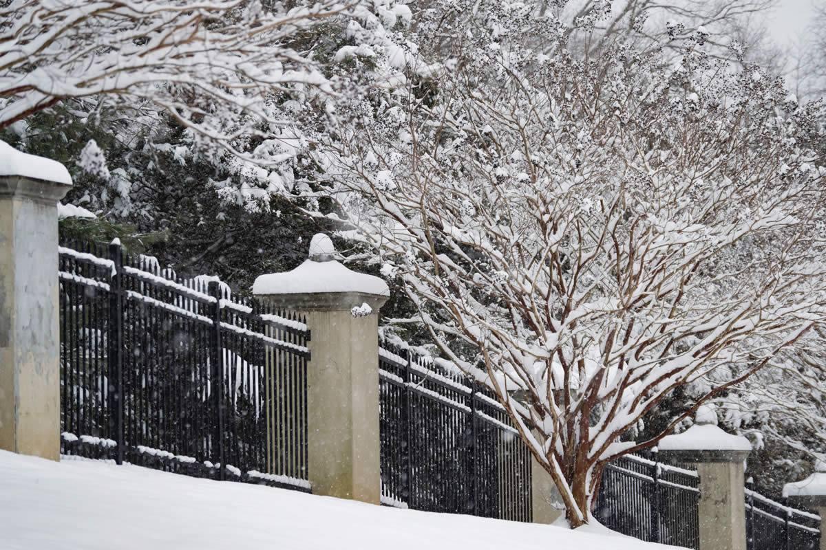 What You Should Know About Installing A Fence in Winter