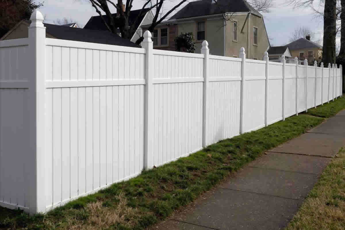 Six Benefits of Installing a Vinyl Fence