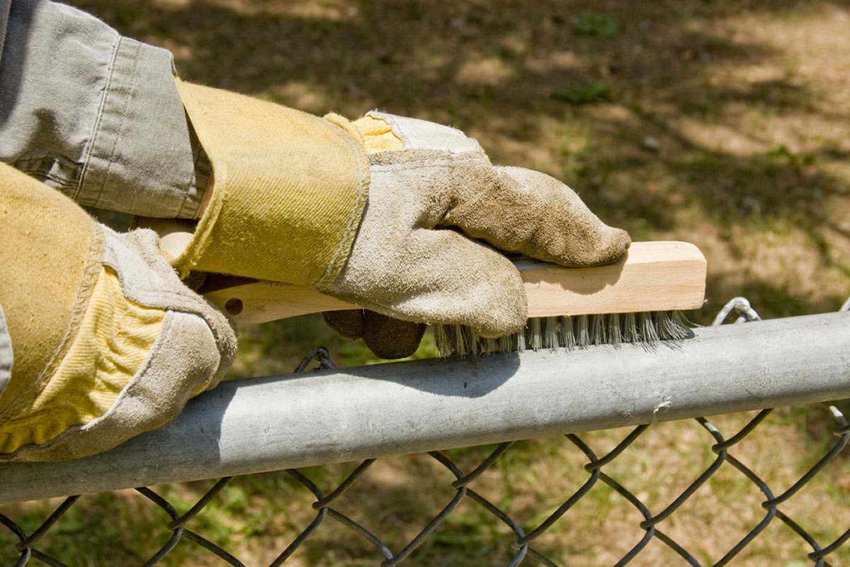Four Fence Maintenance Tasks You Should Perform Each Year