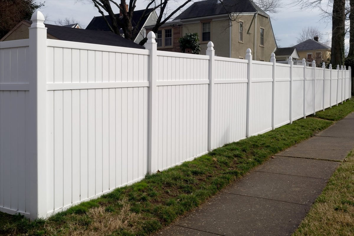 Popular Types of Fencing for Your Florida Property