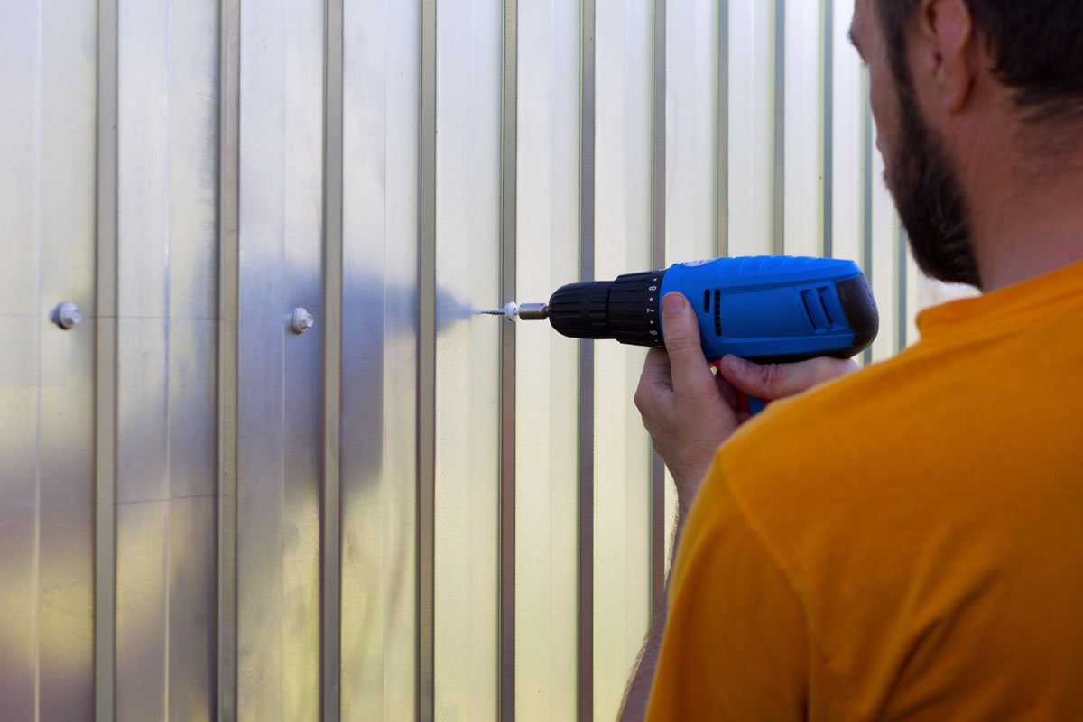 Four Reasons to Hire Fence Contractors to Install Your Fence