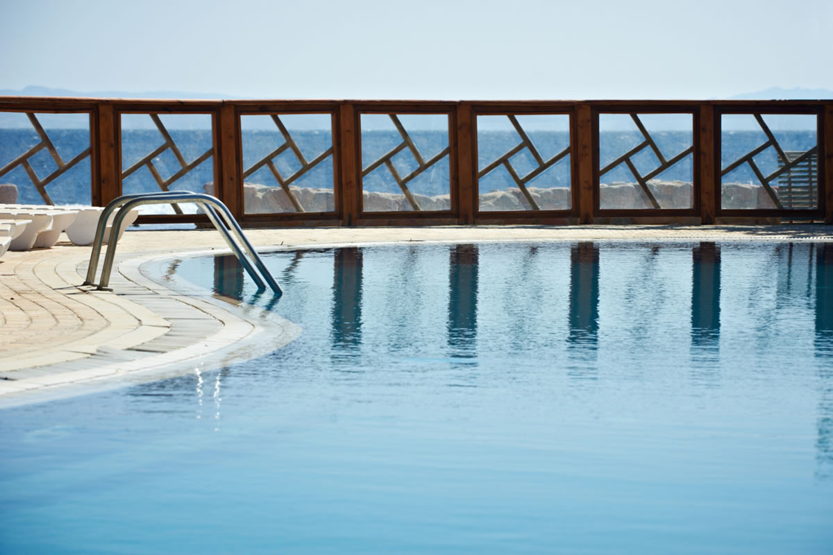 The Importance of Installing a Pool Fence