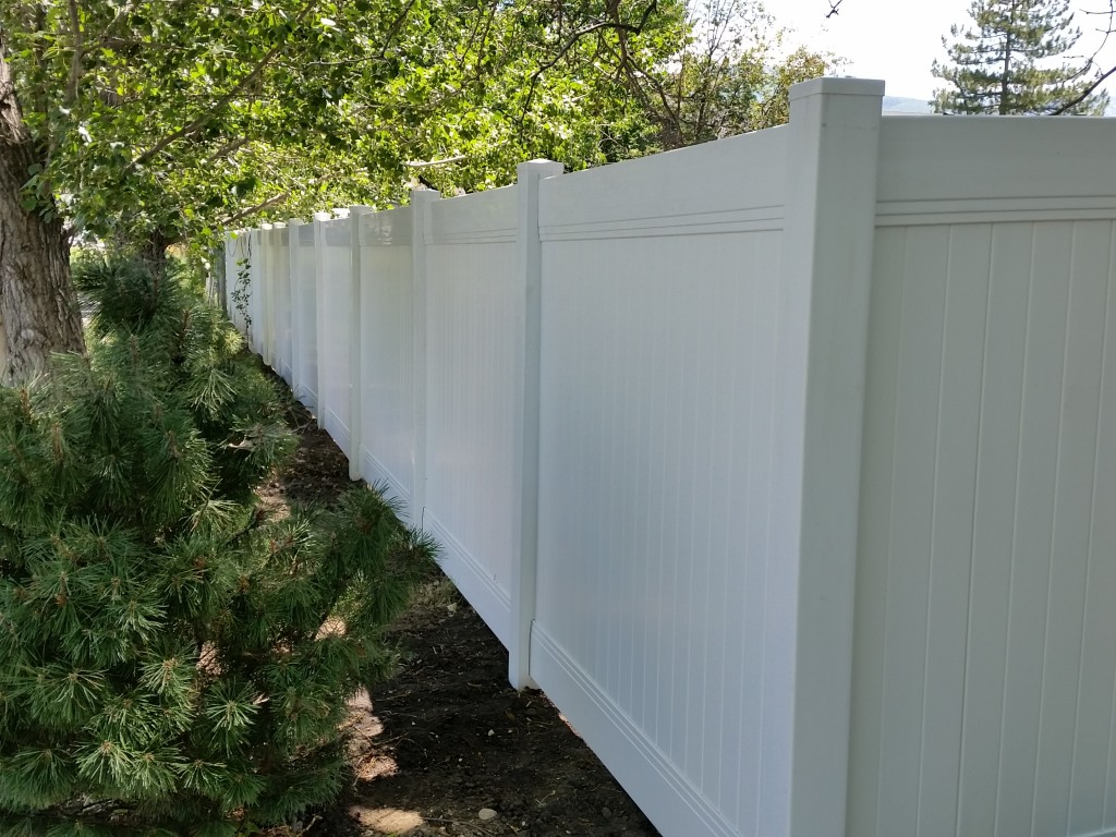 Vinyl Fences | Byers Fence